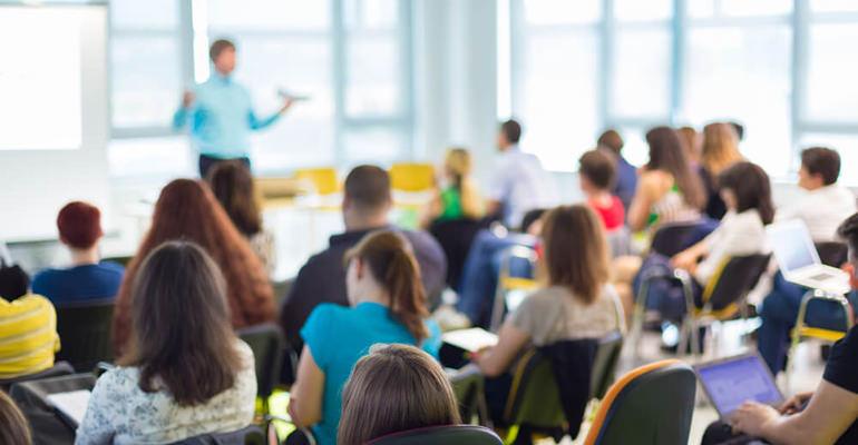 Como escolher o curso preparatório para concursos públicos?